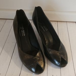 Donald J Pliner Pumps